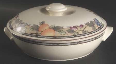 Mikasa Garden Harvest 1.50 Qt Round Covered Casserole, Fine China Dinnerware ()