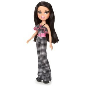 BRATZ Picnic at the Park Outfit & Shoes with Paper Doll - Doll Not Included