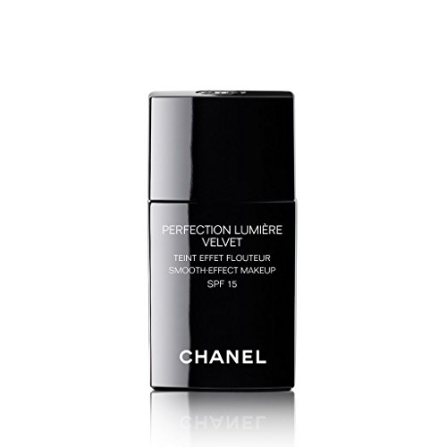 CHANEL PERFECTION LUMIÈRE VELVET SMOOTH-EFFECT MAKEUP BROAD SPECTRUM SPF 15 SUNSCREEN # 20 BEIGE - Lumiere Spf 15 Foundation
