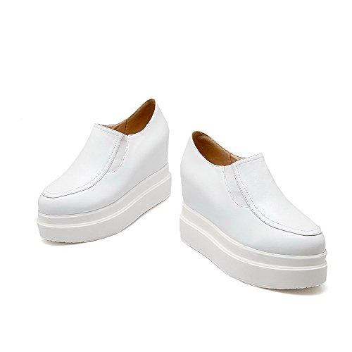 AllhqFashion Mujer Tacón Alto PU Slip-on Cuña Interna Puntera Redonda ZapatosdeTacón Blanco