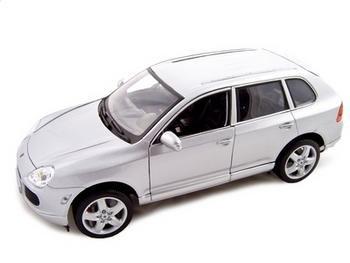 Porsche Cayenne Turbo Diecast Model 1/18 Silver