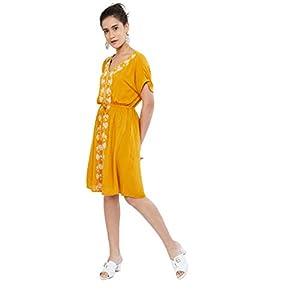 Max Women's Rayon Straight Kurta