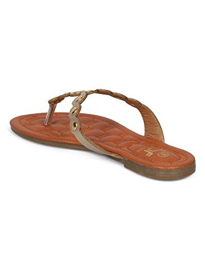Alrisco Dames Metallic Opgesmukte String Sandaal - T-strap Flip Flop Platte Sandaal - Casual Alledaagse Veelzijdige Walking Sandaal - Hd60 By Betani Collection Light Goud