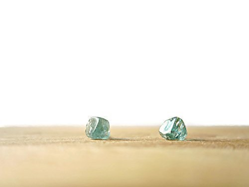 Blue apatite stud earrings - 925 silver earrings - Raw gemstone earrings - Rough gemstone - Raw Crystal Earrings - Apatite Earrings - Blue Earrings - Boho chic jewelry