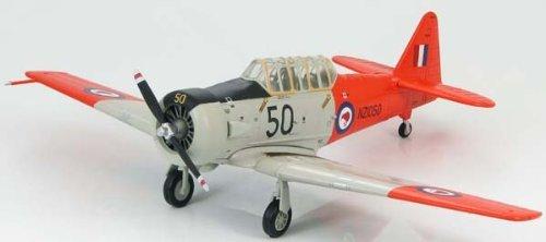 hobby-master-1-72-harvard-mk2-new-zealand-air-force