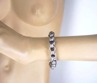 1/4'' Triple Link Chainmaille Bracelet (Small) by Axovus