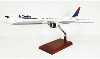 Executive Series Display Models Delta B767-400 (1:100) - KB7674DTR [並行輸入品]