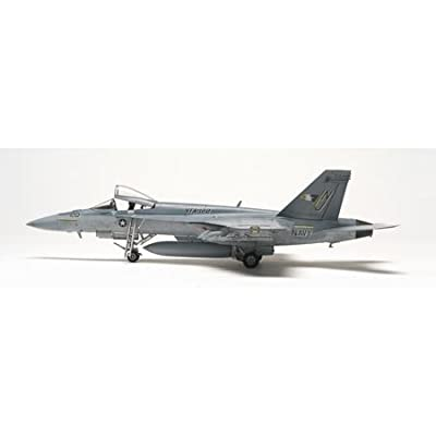 Revell 1:48 F/A-18E Super Hornet: Toys & Games