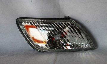 LEXUS ES 300 SIGNAL LIGHT ASSEMBLY RIGHT (PASSENGER SIDE) 2000-2001 (Lexus Es300 Headlamp Assembly)