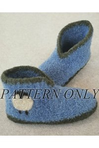 - Crocheted Felt Boot Slippers Pattern (AC-67x)