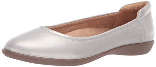 Naturalizer Women's Flexy Ballet Flat Silver 9.5 M ()