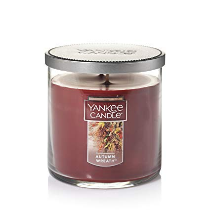 Yankee Candles Autumn Wreath Medium 2-Wick Tumbler,Festive Scents