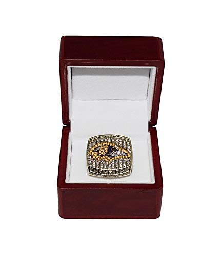 Baltimore Ravens 2000 Super Bowl - BALTIMORE RAVENS (Ray Lewis) 2000 SUPER BOWL XXXV WORLD CHAMPIONS Vintage Rare Collectible High-Quality Replica Gold Football Championship Ring with Cherrywood Display Box