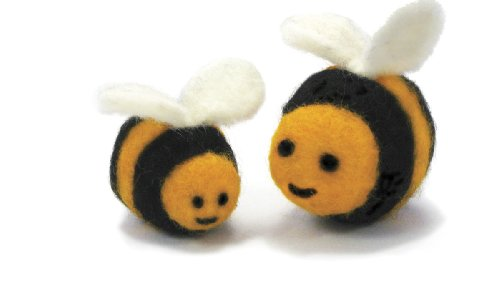 (Dimensions Needlecrafts Round and Wooly Bees Needle Felting Kit)