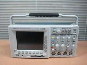 amazon com tektronix tds3fft user manual computers accessories rh amazon com Tektronix Calibration Services Tektronix Manuals PDF