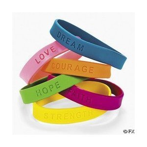 Fun Express 24 Inspirational Sayings Rubber Bracelets - Dream, Love, Courage, Hope, Faith, Strength ()