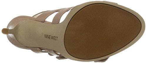 Nine West Howrude de cuero de tacón de la sandalia Taupe