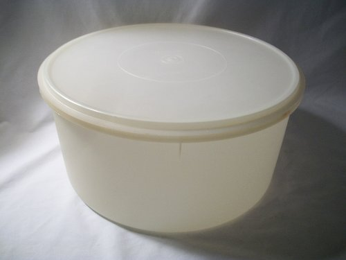 "Tupperware Large 13"" Round Cake Food Storage Canister Keeper"
