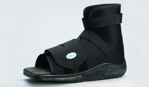 Slimline Adult Cast Boot in Black Size: Small