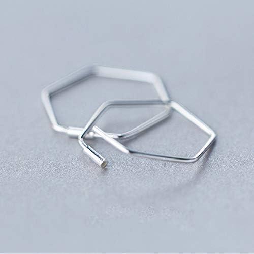 Pendientes de plata de ley 925 con forma hexagonal.