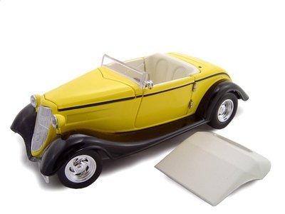 1934 Ford Custom Convertible Yellow Diecast Model 1/24