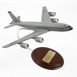 Mastercraft Collection Boeing KC-135R Stratotanker Model Scale:1/136