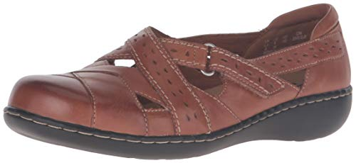 CLARKS Women's Ashland Spin Q Slip-On Loafer, Tan, 7 W US