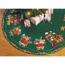- Bucilla Felt Applique Chtistmas Tree Skirt Kit, 43-Inch Round, 86158 Candy Express