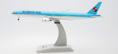hogan-korean-air-777-300er-1-500-by-daron-worldwide