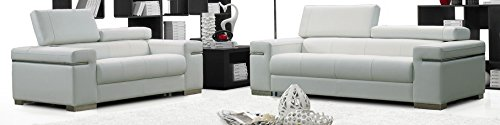 (J and M Furniture 17655111-L-W Soho Loveseat in White Leather)