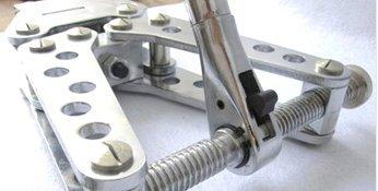 Portable Hole Making Tool Manual Hole Punch Tool Mechanical Hole Making Tool 13mm-19mm Hand Hole Digging Tool