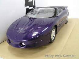 #8413EO AMT/Ertl 1997 POntiac Firebird Trans Am,Bright Purple Metallic 1/25 Plastic Promo,Fully Assembled