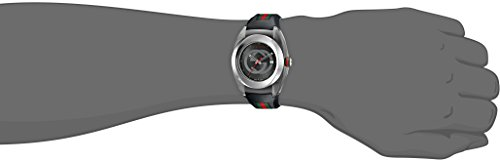 Gucci SYNC XXL YA137101 reloj de acero inoxidable con brazalete negro de  goma.  Amazon.com.mx  Relojes 1c94ca972bd