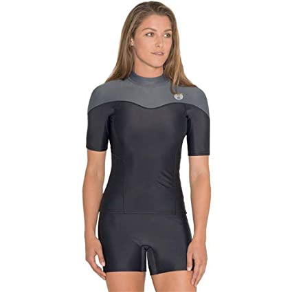 80458a631301 Amazon.com : Fourth Element Thermocline Short Sleved Top : Sports ...