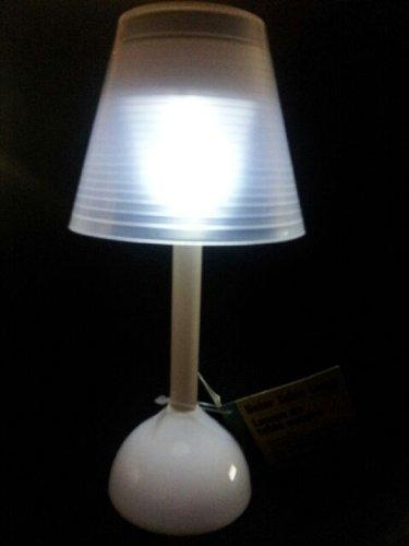 Greenbrier Solar Table Lamp