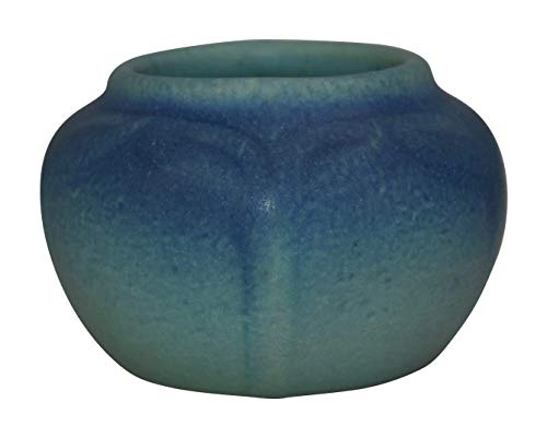 Van Briggle Pottery 1922-26 USA Leaves Vase Shape 681 (Briggle Van Pottery)
