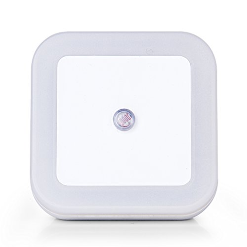 LED Night Light, Plug-in Lights with Smart Sensor Dusk to Dawn Auto Turn on/off, Daylight White Lighting for Hallway, Bedroom, Bathroom