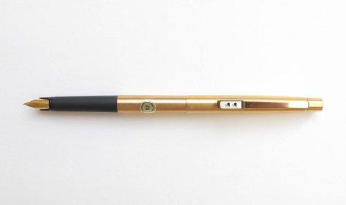 Pen Brushed Gold Plated Fountain Pen Medium Nib ()