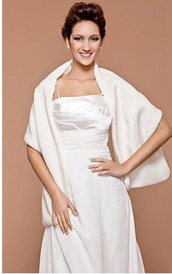 2472540c4a68 Ivory Cream Long Faux Fur Wrap Wedding SHAWL Shrug Prom  Bolero Capelet Coat Jacket Cover Up  Amazon.co.uk  Clothing