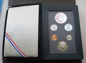 (1990 P US Prestige Proof Set Comes in original Packaging From the US Mint Uncirculated)