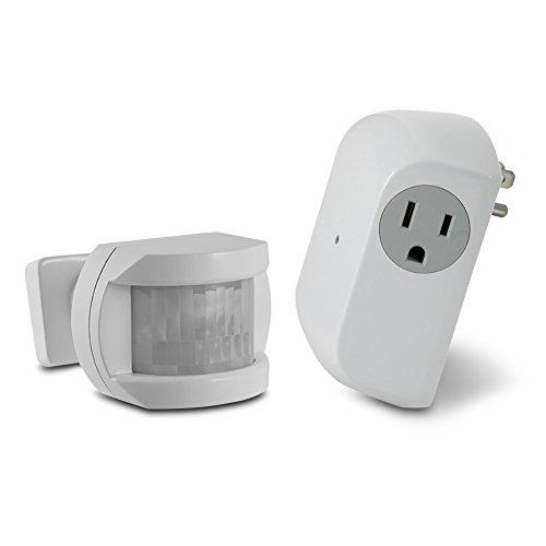 Utilitech White Motion Sensor/Dusk-to-Dawn Light Control - -