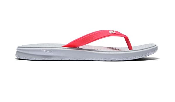 cheap for discount 847e9 6f70f Amazon.com   Nike Solay Thong Big Kids   Slippers
