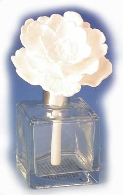Used, Zodax Dahlia - Jardin de Rochelle Aroma Porcelain Diffuser for sale  Delivered anywhere in USA