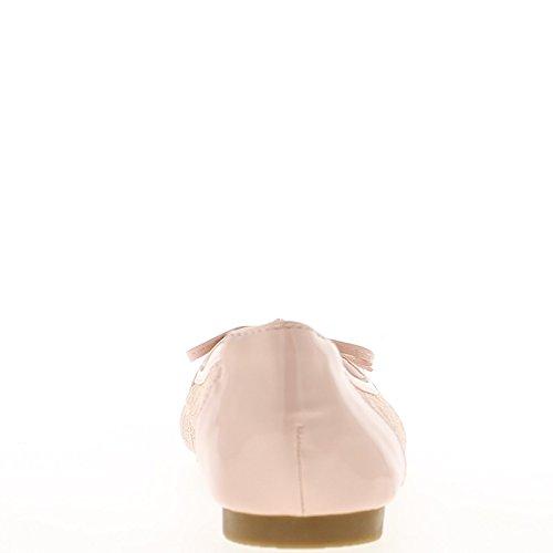 Rosa Ballerinas mit Spitze und Bogen gemalt