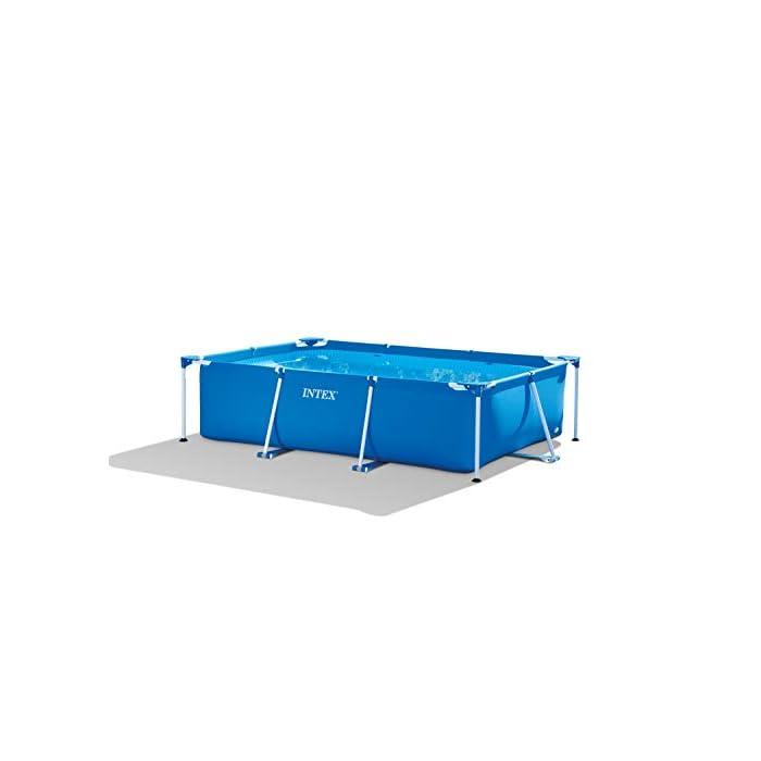 31ZqsiEkctL Piscina rectangular desmontable tubular Intex Small Frame con estructura metálica, medidas: 300 x 200 x 75 cm, capacidad: 3.834 litros, para 6 personas (+ 6 años) Con estructura metálica de fácil montaje, compuesta por piezas de acero con epoxy antióxido, lista para ser usada en aproximadamente 30 minutos Lona con tecnología tricapa Super-Tough, cuenta con tapón de vaciado conectable a manguera de jardín para facilitar el desagüe.  ¿Necesitas Cloro para piscinas?  https://www.youtube.com/watch?v=x0PFoSU9V_U  Otras opciones de piscinas Intex aquí. Intex 28272NP