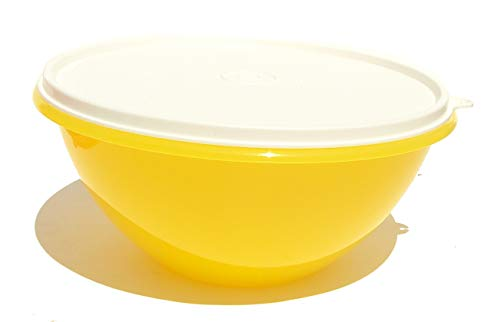 Tupperware Classic Wonderlier Nesting Yellow 10.5 Cup Mixing Bowl with Seal
