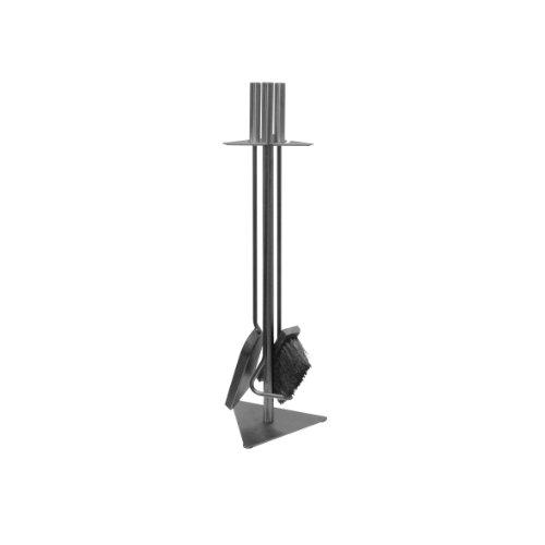 KAMINO FLAM Kaminbesteck 337201 für den Innen- und Außenbereich, die Kamingarnitur mit schönen Stahlgriffen, Kaminzubehör inklusive Besen, Schaufel und Schürhaken, die Farbe des Kaminzubehörs ist gussgrau, die Gesamtmaße des Kaminständers beträgt ca. 18,5 x 56 x 5,5 cm