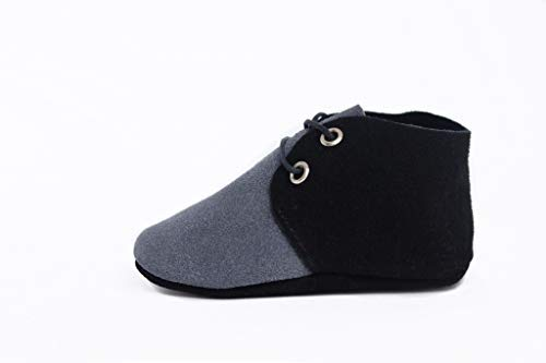 Baby Moccasins for Boys & Girls. Premium Leather Suede Infant & Toddler Moccasins, Black & Grey, XS