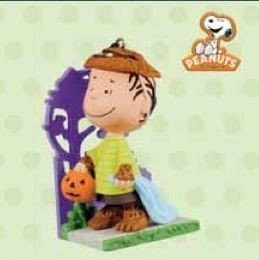 Hallmark Halloween QFO5219 A Howling Good Time The Peanuts Gang Ornament