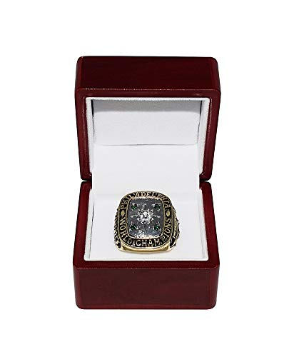 PHILADELPHIA EAGLES (Chuck Bednarik) 1960 NFL CHAMPIONSHIP GAME WINNER (Playing Vs. Packers) Concrete Charlie Vintage Collectible Replica Gold Football Championship Ring with Cherrywood Display Box